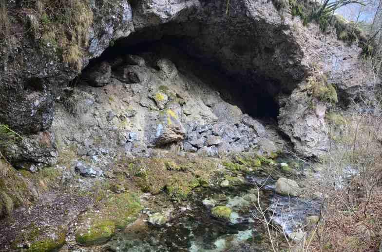 la caverna_natura resistente per forma_DSC_4221 copia